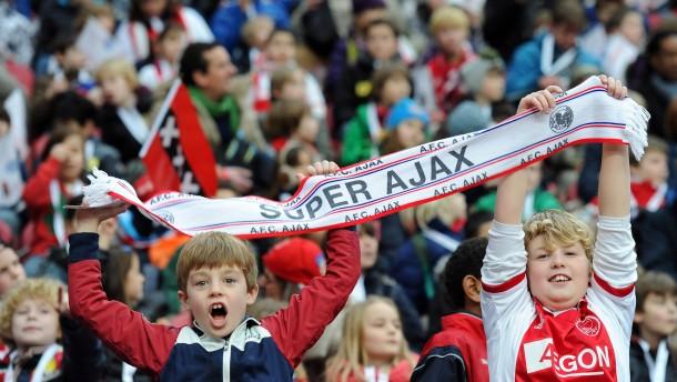 Alkmaar gewinnt das Kinderspiel