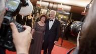 Winfried Kretschmann und seine Frau Gerline am Freitagabend beim Landespresseball in Stuttgart.