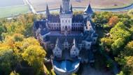 Schloss Marienburg: Bald sollen Handwerker anrücken und das Schloss aus seinem Siechtum befreien.
