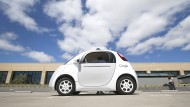 Google schickt seine Autos ab Sommer auf die Straße