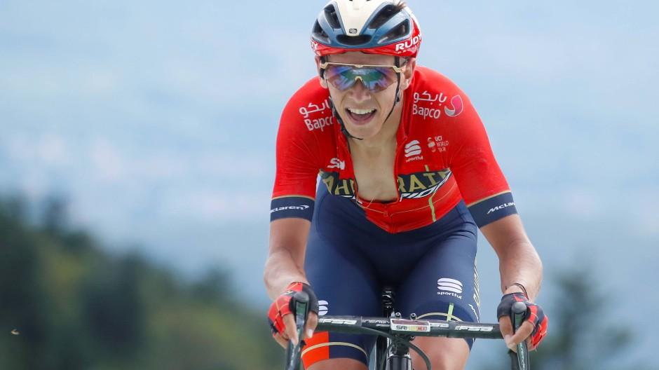 Etappensieger Dylan Teuns auf dem letzten Anstieg vor der Ziellinie bei der sechsten Etappe der Tour de France.