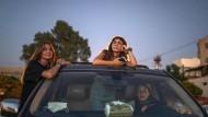 Film ab: Drei junge Frauen in Byblos im neuen Autokino