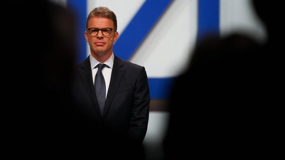 Unter Druck: Deutsche-Bank-Chef Christian Sewing