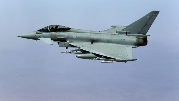 Kampfjet-Einsatz lässt Fensterscheiben klirren
