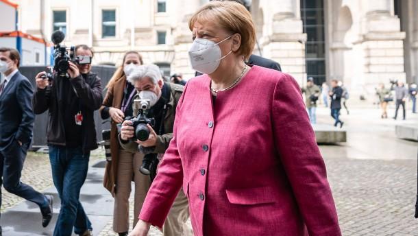 """Merkel: Dritte Corona-Welle """"vielleicht die härteste"""""""