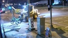 Dieb auf Traktor liefert sich Verfolgungsjagd mit Polizei