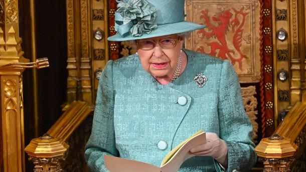 Queen liest Johnsons Regierungserklärung ohne Krone vor