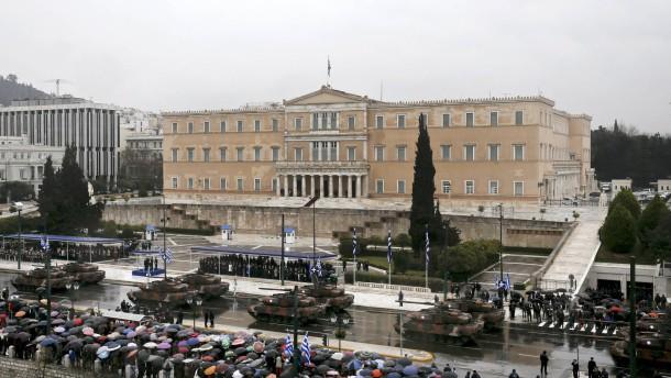 Militärparade in Athen: Souveränität zum Anschauen