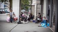 Roma ziehen in Privatwohnungen