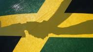 Naht eine Jamaika-Koalition auf Bundesebene? Erst die Landtagswahl in Niedersachsen abwarten.
