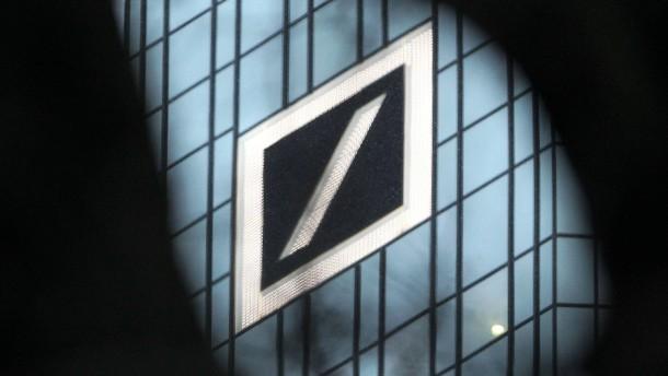 Hamburger Privatbank verklagt Deutsche Bank