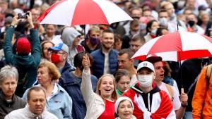 Mehr als 100.000 Demonstranten am 50. Protesttag in Minsk