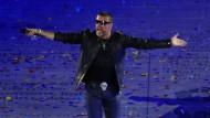 Der britische Sänger George Michael bei seinem Auftritt zur Abschlussfeier der Olympischen Spiele in London 2012.