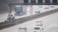 Blitzanlage an der Autobahn 3 am Dreieck Heumar in Köln.