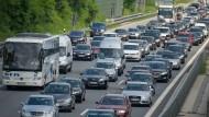 Die Fahrt in den Urlaub ist für die meisten Autofahrer eine hohe Belastung
