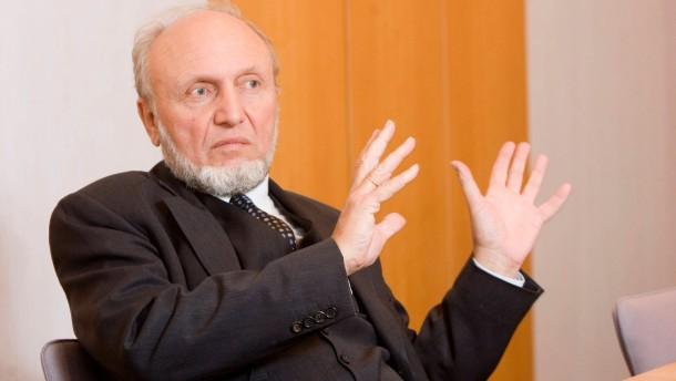 Hans-Werner Sinn - Der Präsident des ifo-Instituts für Wirtschaftsforschung und Professor für Volkswirtschaftslehre an der Universität München stellt sich in der Redaktion der F.A.Z. in Frankfurt den Fragen der Wirtschaftsredaktion