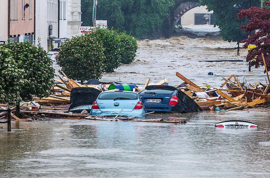 niederbayern ruft katastrophenfall nach berschwemmungen aus. Black Bedroom Furniture Sets. Home Design Ideas