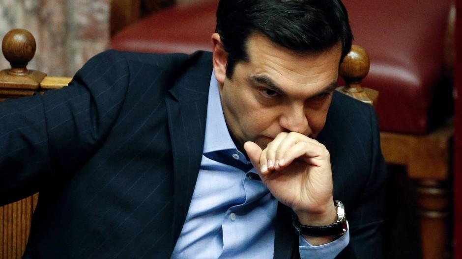 Griechenlands Ministerpräsident Alexis Tsipras während der Debatte im Parlament. Der Regierungschef verordnet dem Land harte Reformen.