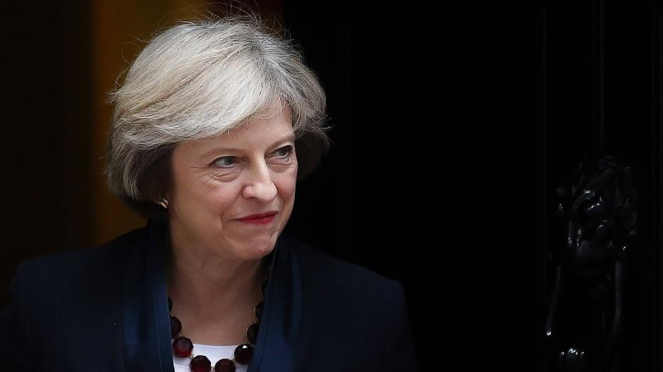 Mays Gegner machen mobil gegen die Premierministerin.