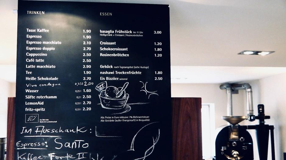 Auf den größeren Kaffee verzichten oder das Extra-Topping weglassen, um zu sparen – bringt das auf lange Sicht überhaupt etwas?