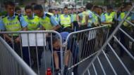 Polizei räumt Barrikaden von Demonstranten