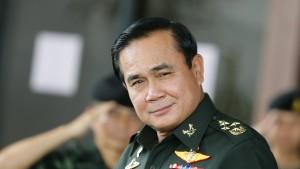 Oberster General lässt sich zum Regierungschef wählen