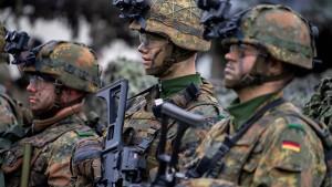 Deutsche Verteidigungsausgaben sollen auf 50 Milliarden Euro steigen