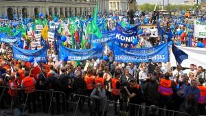 Tausende Polen protestieren gegen Regierung