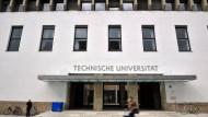 Der Eingang zur Technischen Universität München