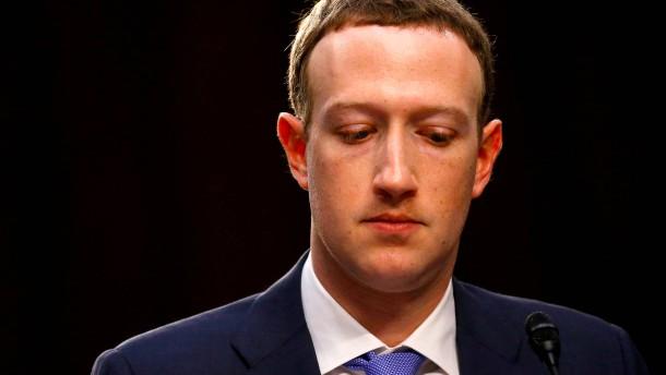 Zuckerberg stellt sich nur hinter verschlossenen Türen
