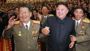 Merkel will vermitteln – Kim feiert