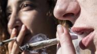 Frankfurter Jugendliche konsumieren wieder häufiger legale und illegale Drogen.