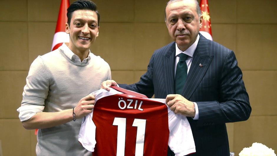 Mesut Özil und der türkische Staatspräsident Recep Tayyip Erdogan