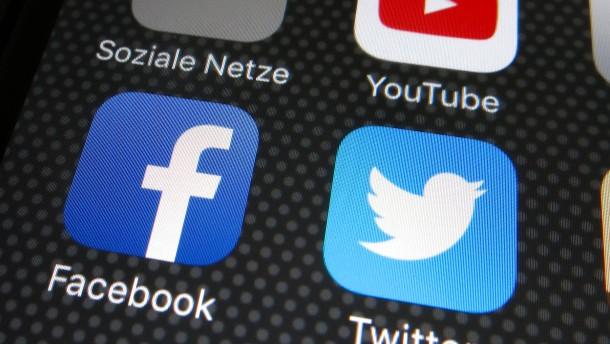 Kann der Staat Facebook Benimmregeln verordnen?