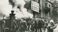 """Räumung des besetzten Hauses Grüneburgweg 113 im Jahr 1971. Einer der damaligen Demonstranten: """"Wir Hausbesetzer waren manchmal besserwisserisch."""""""