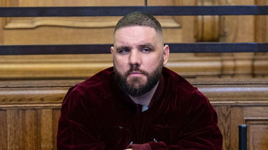 Dem Rapper Fler wird vor Gericht unter anderem Beleidigung vorgeworfen.