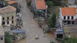 Hochwasser spült Dorf in Frankreich förmlich weg
