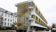 Vorbild für neue Bauten: Studentenwohnungen auf Stelzen am Sonnenblumenweg in Wiesbaden
