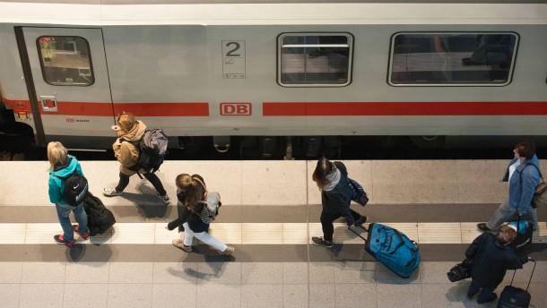 Deutsche Bahn bietet Lokführern Schlichtung an