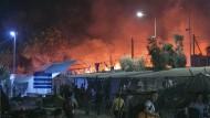 Großes Feuer verwüstet Flüchtlingslager auf Lesbos