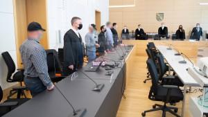 """Milde Strafen für frühere Mitglieder der """"Faust des Ostens"""""""