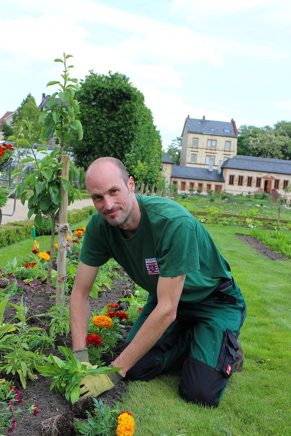 Gartenmeister Andreas Witzel hat den Wandel der historischen Anlage miterlebt und mitgestaltet.
