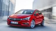 Im Herbst auf der IAA  Frankfurt hat die nächste Generation Premiere, hier sind die ersten Bilder zum neuen Opel. Er ist etwas kleiner  geworden, hat aber dennoch mehr Platz und soll mehr Komfort bieten. Opel spricht vom schlanken Design und einer Athletik wie nie zuvor.