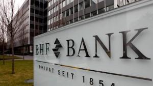 Deutsche Bank verkauft BHF-Bank an Finanzinvestor RHJ