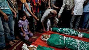 Zahl der Toten im Gazastreifen steigt auf über 300