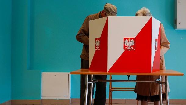 Spannendes Rennen um polnisches Präsidentenamt