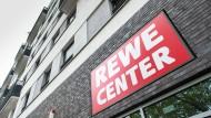 Kurzer Weg: Bald könnten über Supermärkten im Rhein-Main-Gebiet Wohnungen entstehen.