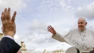 Doch nicht so radikal anders als seine Vorgänger? Papst Franziskus
