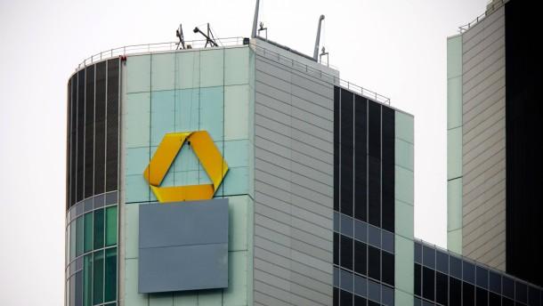 Commerzbank dünnt auch zweite Führungsebene aus