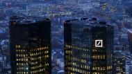 Lage der Deutschen Bank macht Dax-Konzernchefs nervös